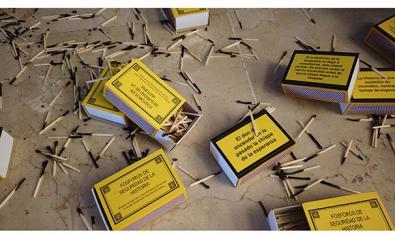 Instal·lació de Juan Antonio Cerezuela, 'Llumins de seguretat de la Història'