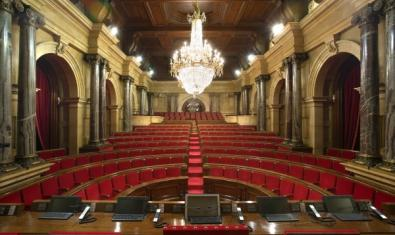 The Hall of Sessions, possibly the best-known room in the parliament building, is part of the itinerary