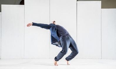 Un momento de la coreografía interpretada por el bailarín Marc Lapuerta