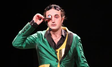 El mag Pablo Al-Kalinas, en plena actuació.