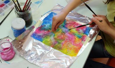 Elaboración de una postal de seda
