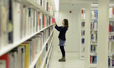 Les biblioteques a casa amb el servei de préstec digital eBiblioCat