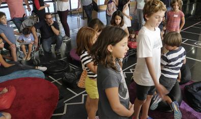 Un grupo de participantes de la actividad.