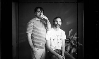 Retrat en blanc i negre dels dos integrants de la banda folk Ran Ran Ran