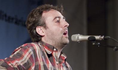 El cantautor Roger Mas