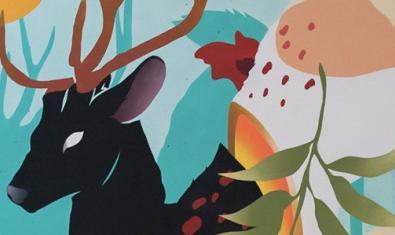 Una de las obras de la artista muestra un gran ciervo de color negro en un paisaje colorido