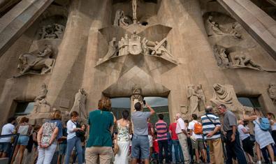 La fase 'Hora Barcelona' permite a la ciudadanía disfrutar de la Sagrada Familia gratuitamente los fines de semana