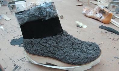 Uno de los proyectos artísticos en forma de calzado que elabora Sara de Ubieta