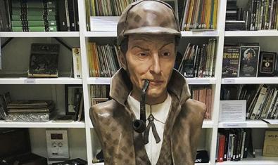 Una de las piezas sobre Sherlock Holmes en la Biblioteca Arús
