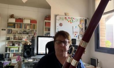 Silvia Coricelli, fagot solista de l'OBC, en un dels vídeos compartits a la xarxa