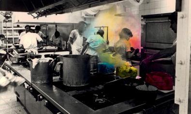 La Fundació Suñol recupera el vídeo de 'Situació Color', de Miralda i Jaume Xifra per a Josep Suñol