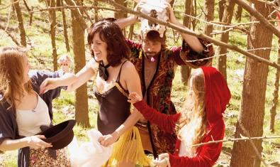 Una de les imatges promocionals de l'obra 'Somni d'una nit d'estiu'