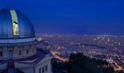 El Observatorio Fabra con la ciudad a sus pies