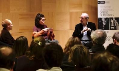 Liliana Arroyo en el ciclo de conferencias 'Diàlegs de Pedralbes'. Fotografía del Diari ARA
