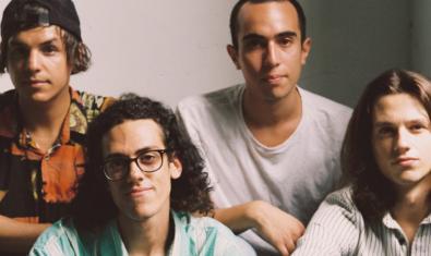 Retrat de grup dels quatre membres de la banda catalano-xilena The Zephyr Bones
