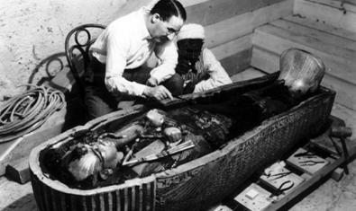Fotografía del descubrimiento de la tumba de Tutankamon