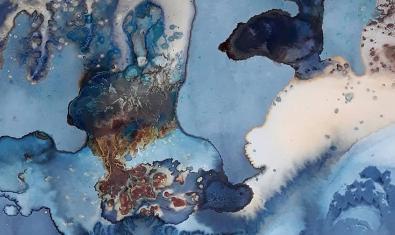 Una de las imágenes abstractas creadas por la artista a partir de los procedimientos químicos que utiliza la fotografía analógica