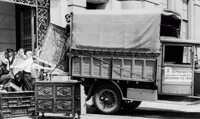 Entrada de las obras requisadas, julio 1936. ©Arxiu Fotogràfic de Barcelona. Joan Vidal Ventosa