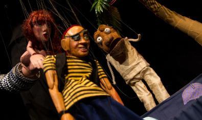 Títeres de madera: pirata, sirena y mono