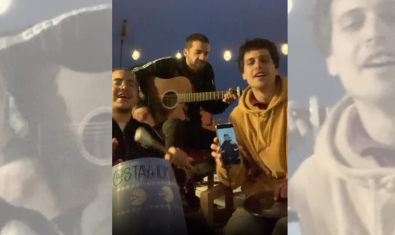 Stay Homas, con Nil Moliner, cantando 'Volveré a empezar'