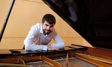 Víctor Braojos tocarà el piano del Jardí dels Tarongers