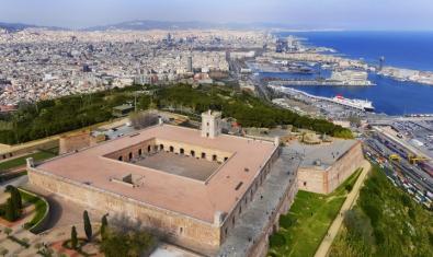 Imatge aèria del castell de Montjuïc