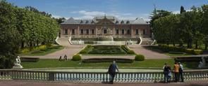 Vista parcial de los jardines del Palauet Albéniz