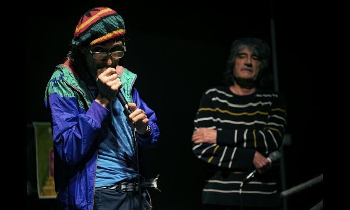 Ecorapers recitant els seus versos. Fotografia: Francesc Gelonch