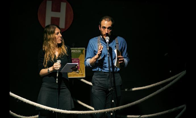 Galtana, guanyadors de l'Èpic Ring, recitant els seus versos. Fotografia: Francesc Gelonch