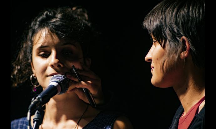 Cua-Birra recitant els seus versos. Fotografia: Francesc Gelonch