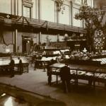 Imatge de l'exposició bibliogràfica catalana organitzada al Palau de les Belles Arts de Barcelona amb motiu del Primer Congrés Internacional de la Llengua Catalana, que va tenir lloc del 13 al 18 d'octubre de 1906.