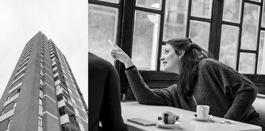 Un bloc de pisos de Ciutat Meridiana. A la dreta, Belén Funes al bar Amsterdam de Ciudad Meridiana, mira per la finestra i assenyala l'exterior. © Curro Palacios Taberner