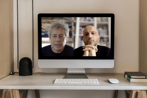 Un moment de la conversa virtual entre Alessandro Baricco i Jorge Carrión, organitzada pel CCCB el passat 16 de març. © Curro Palacios Taberner