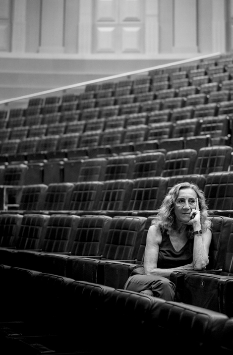 Carme Portaceli asseguda al pati de butaques de la Sala Gran del TNC. © Clara Soler Chopo