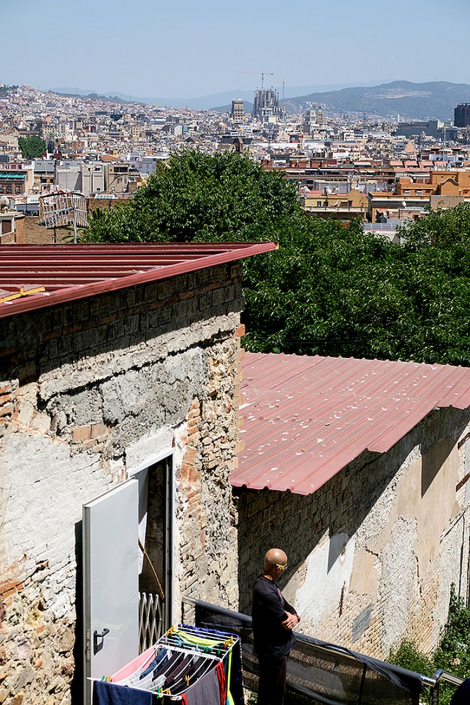 Views of Barcelona from the street Carrer Julià, in the Satalia neighbourhood. © Arianna Giménez