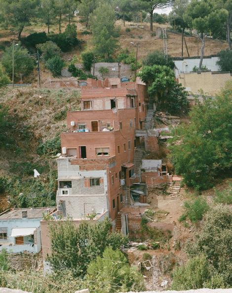 Cases a la muntanya de Collserola, a Torre Baró. Moltes van ser aixecades pel seus propietaris a mitjan segle xx. © Myriam Meloni i Arnau Bach