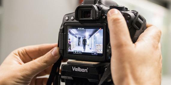 El visor d'una càmera de fotografia digital.  © Goroka. Ajuntament de Barcelona.