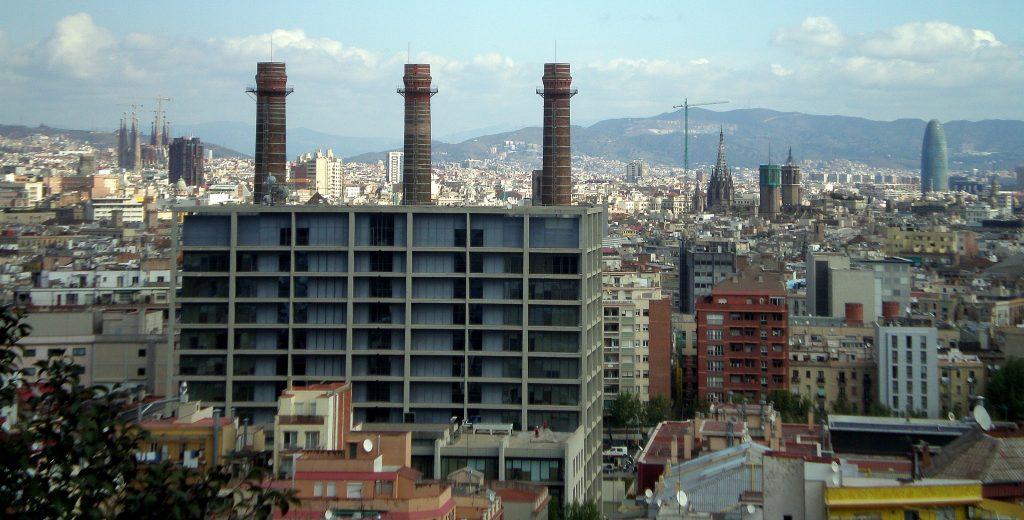 Vista parcial de la ciutat des de la part alta del Poble Sec