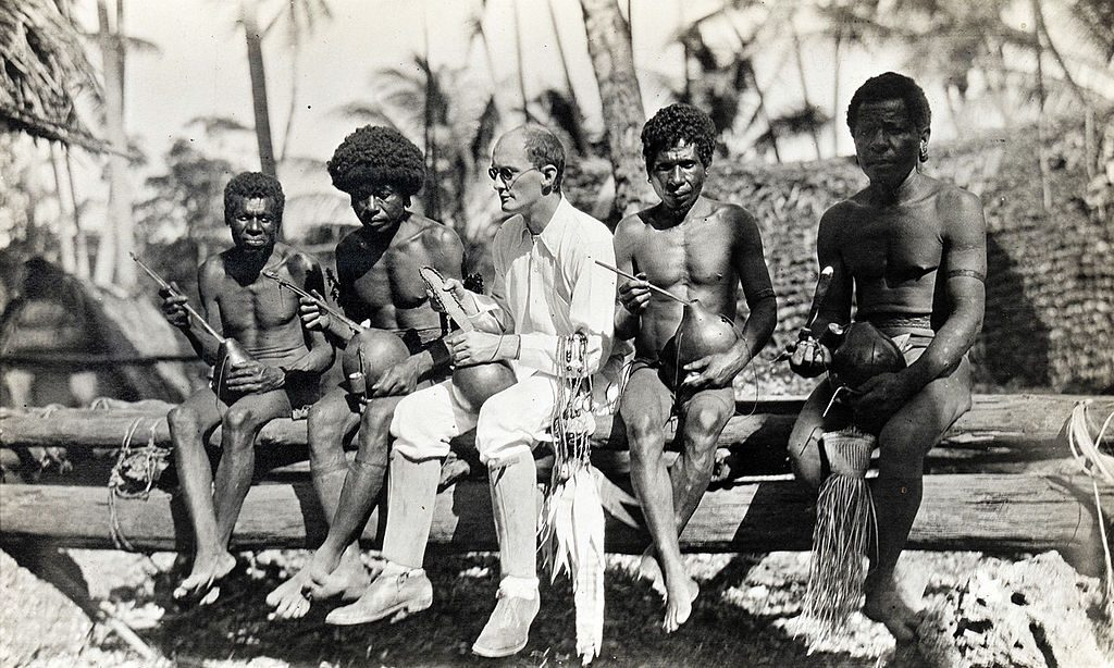 Malinowski junt a un grup de trobiandesos.