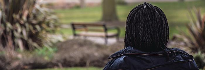 Negritud agafada pels pèls