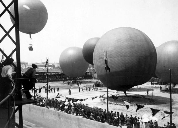 Concurso de globos, Frederic Ballell, 1908. AFB