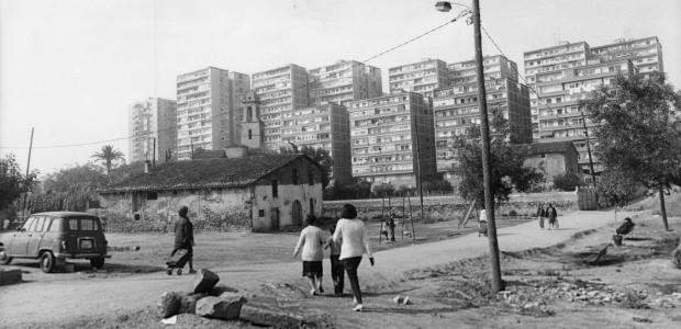 Blocs de la tercera fase del polígon de Sant Martí, 1984. Autor desconegut. Arxiu Municipal del Districte de Sant Martí