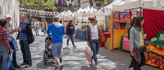 Ambient d'un mercat de carrer