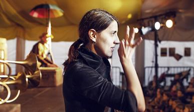 Intérprete de la lengua de signos en un espectáculo