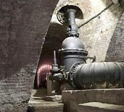 Interior dels túnels subterranis de la Casa de l'Aigua.