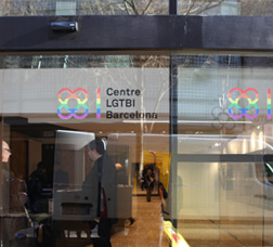 Fachada del Centro LGTBI de Barcelona