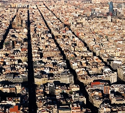 Ariel view of the city's Plan Cerdà grid