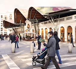 Fachada del Mercado de Santa Caterina