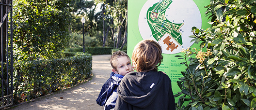 Two young people looking at the map of Laribal Gardens