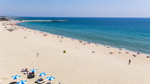 Vista aèria de la platja del Bogatell